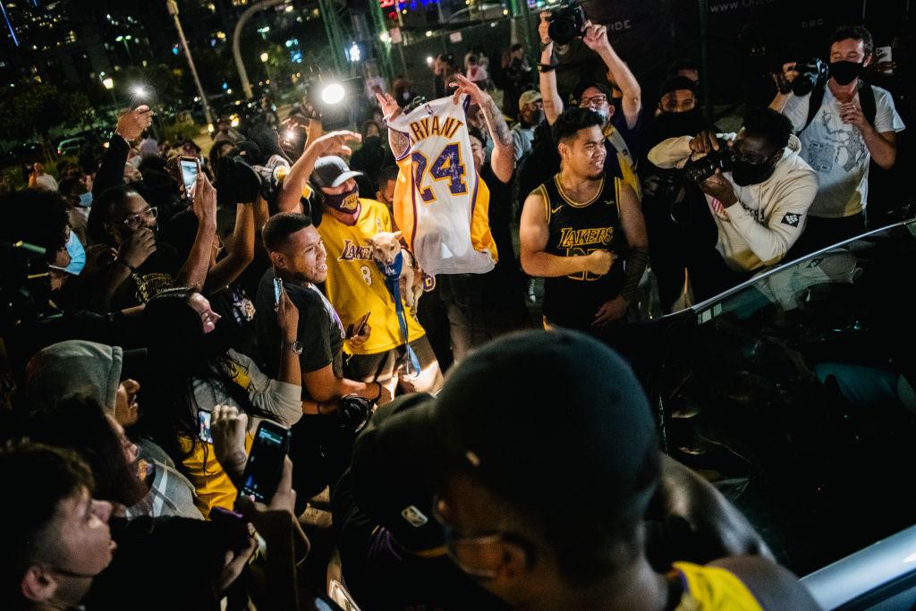 Festejos de Dodgers y Lakers aumentan casos de coronavirus en Los Ángeles