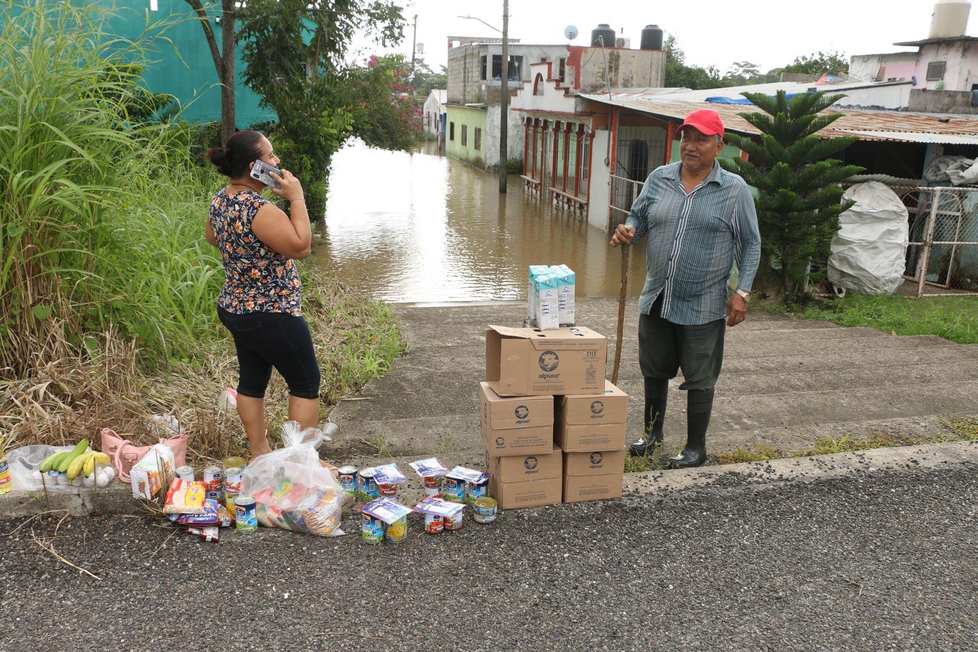 Continúan anegadas las comunidades de Cacao y Astapa, en Tabasco, tras las fuertes lluvias del fin de semana pasado.
