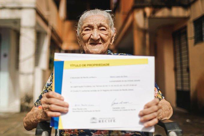Nunca es tarde: Mujer de 114 años cumple el sueño de comprarse una casa