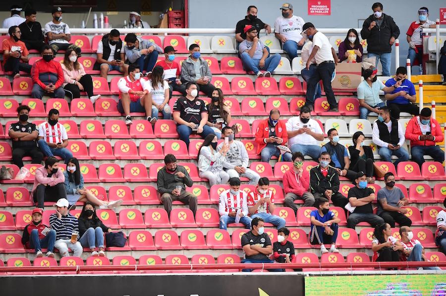Necaxa vuelve a cerrar su estadio a aficionados por repuntes de coronavirus