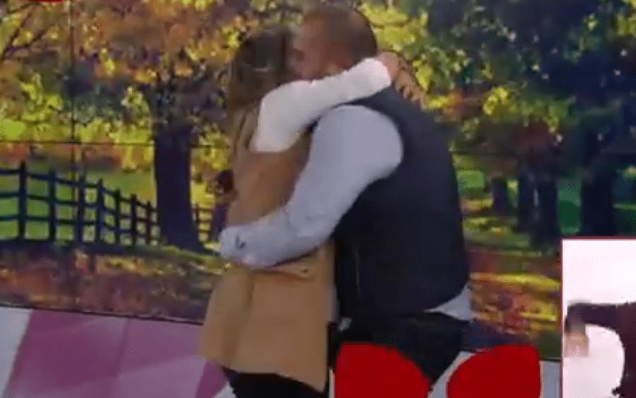 Le piden matrimonio a conductora de Canal 11 en pleno estudio y le llueven críticas en redes