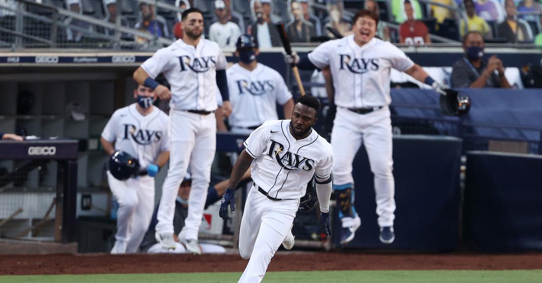 Blanqueada a los Astros y los Rays vuelven a la Serie Mundial 12 años después