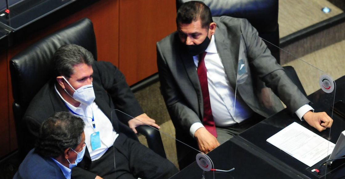 senador-alejandro-armenta-covid-19-sesion