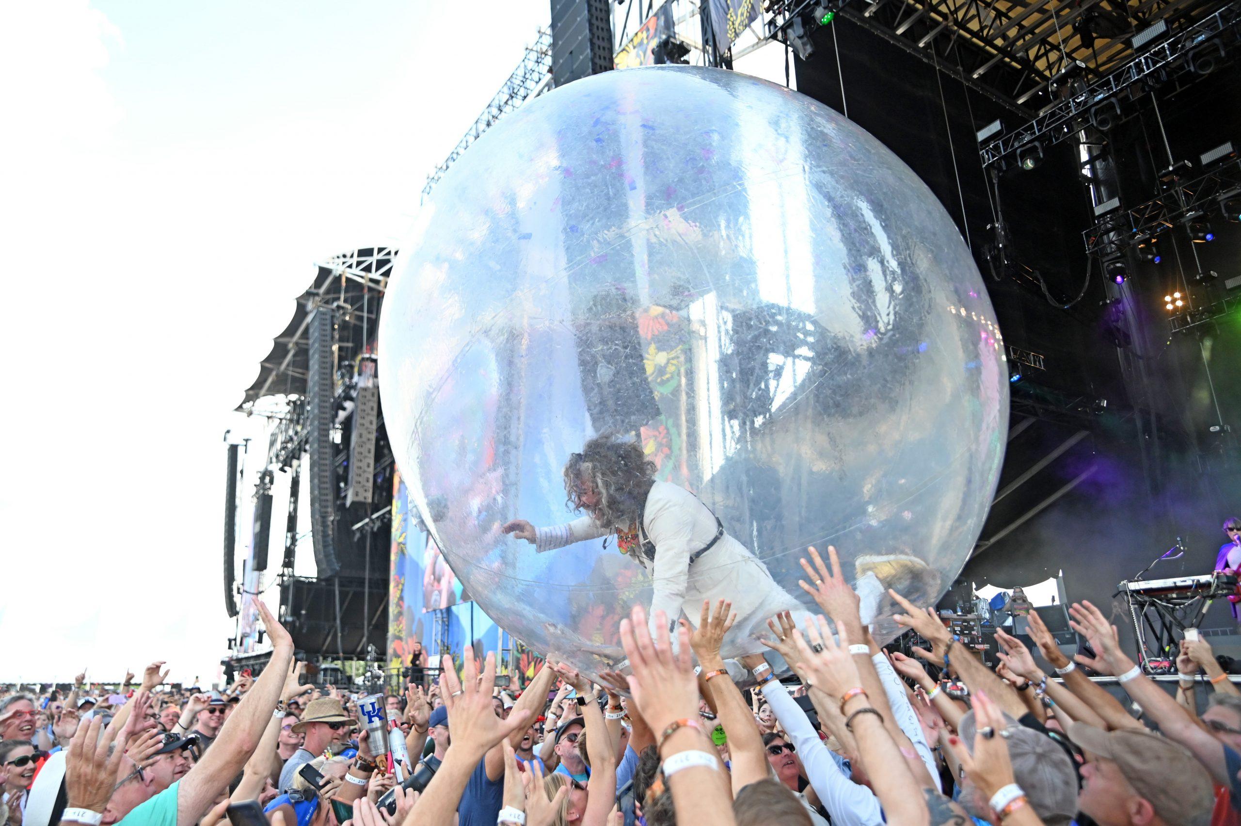 ¡Los conciertos en burbujas de plástico de The Flaming Lips ya son una realidad!
