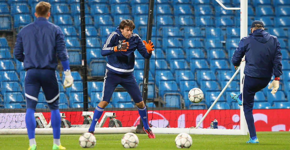 Ucrania habilitó a un entrenador como portero suplente en goleada ante Francia