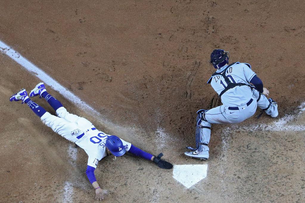 Los Dodgers firmaron la voltereta en la sexta entrada y conquistaron su séptima Serie Mundial