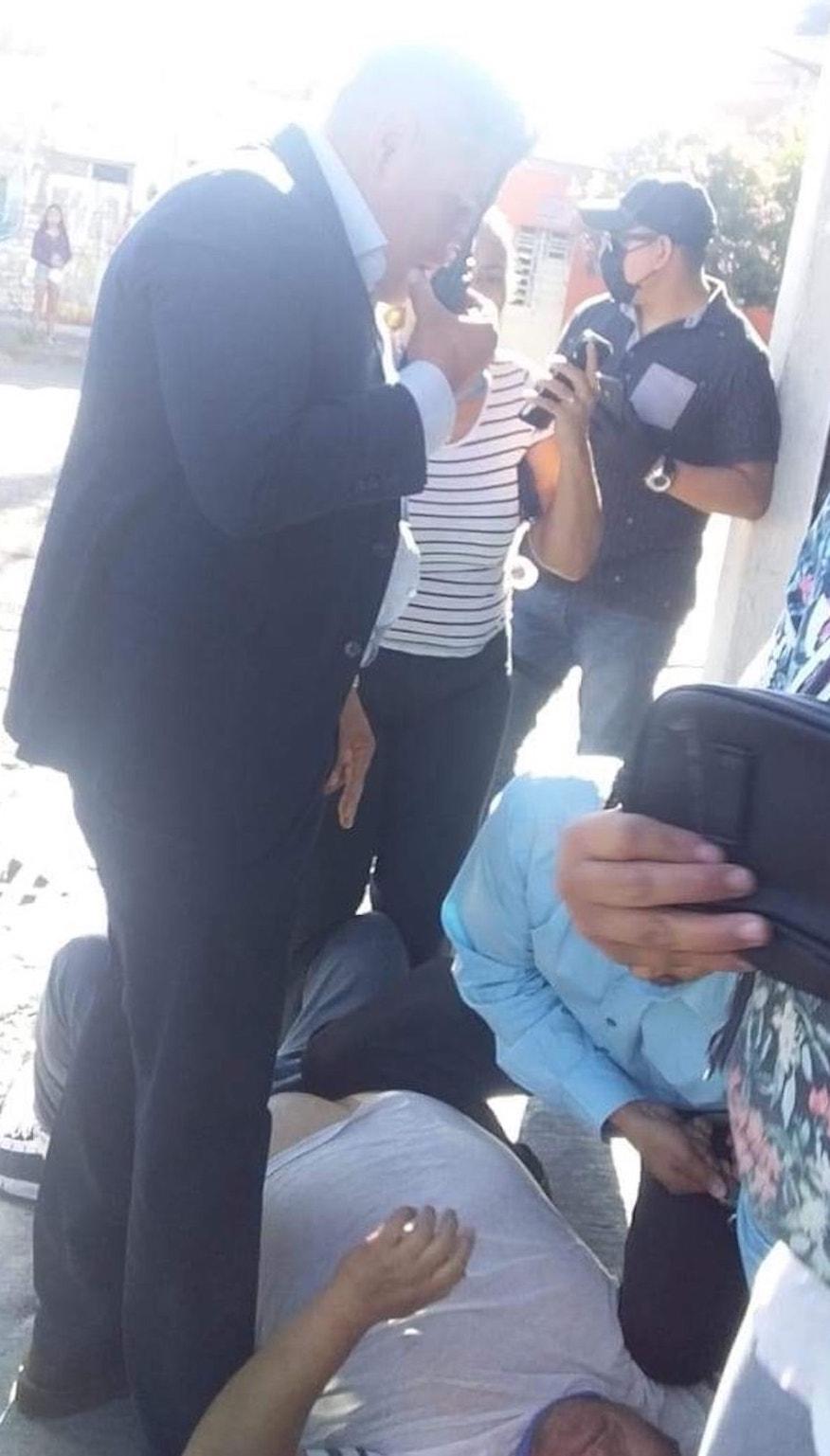agentes-aic-guanajuato-tamalero-detencion