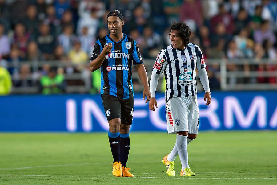 Mismo 'modus operandi' que Ronaldinho: Lo que sabemos sobre el fichaje de Antonio Valencia con el Querétaro