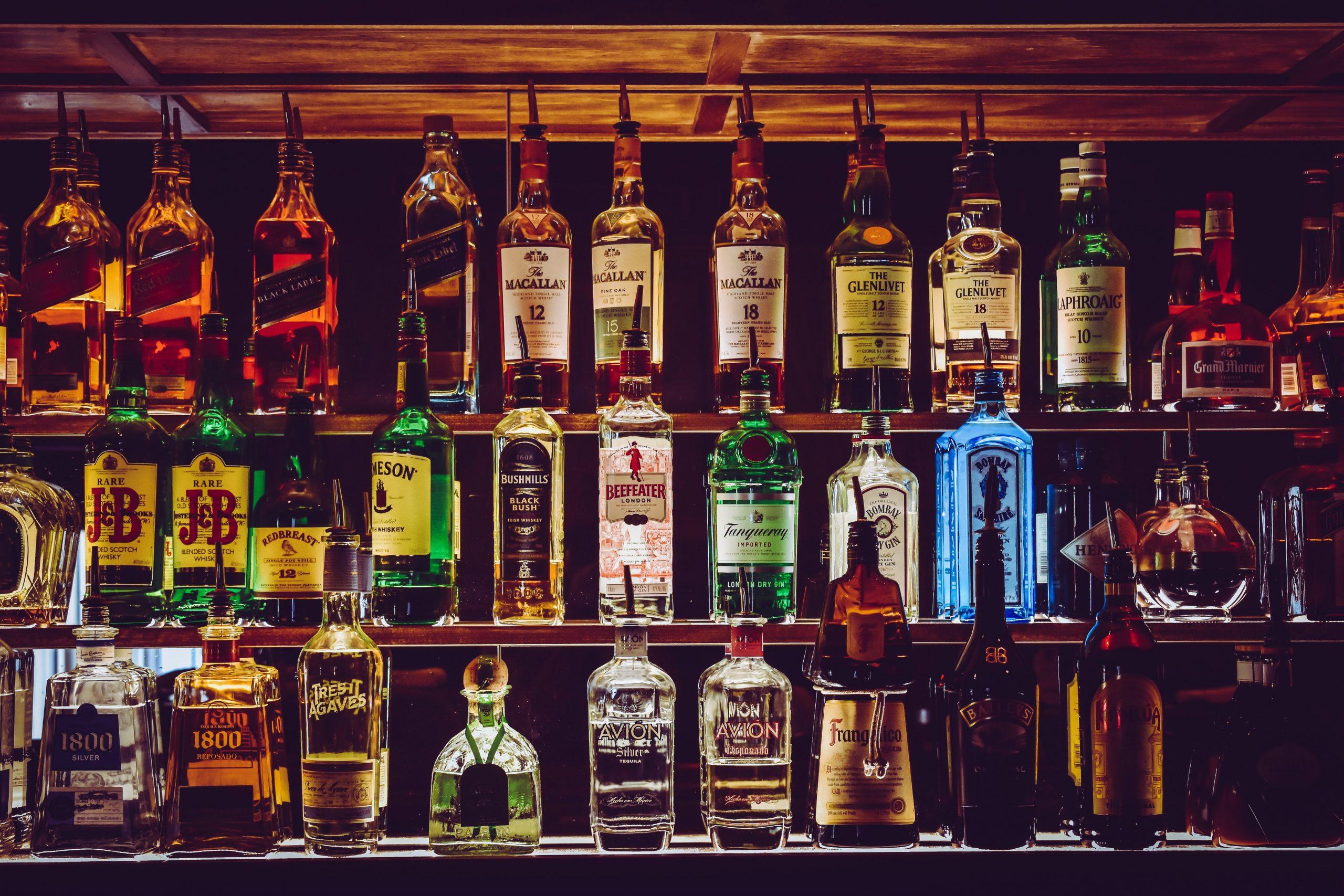 F en el chat: Sujeto aprovecha error y compra más de 2 mil botellas de whisky en el Buen Fin