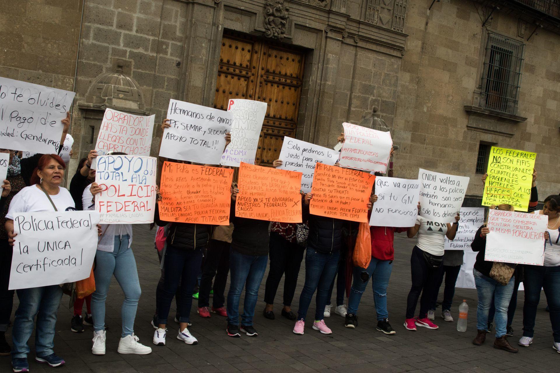 """""""Chairos"""" y """"Fifís"""": Lo que sabemos sobre el polémico texto de la SEP Puebla"""