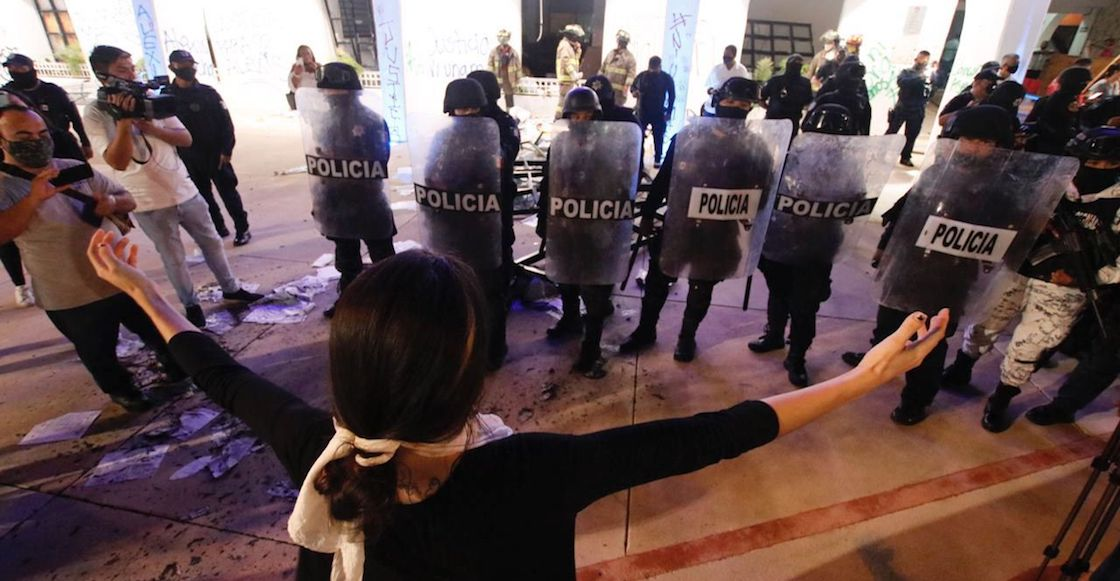 derechos-humanos-protesta-cancun-policia