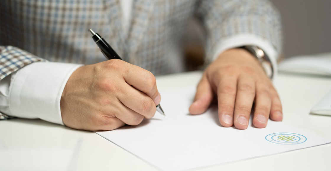firma-documento-blanco-delito