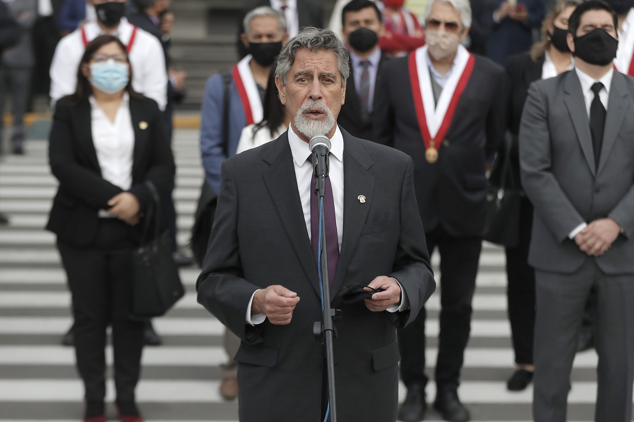 Francisco Sagasti es elegido como nuevo presidente de Perú tras renuncia de Manuel Merino