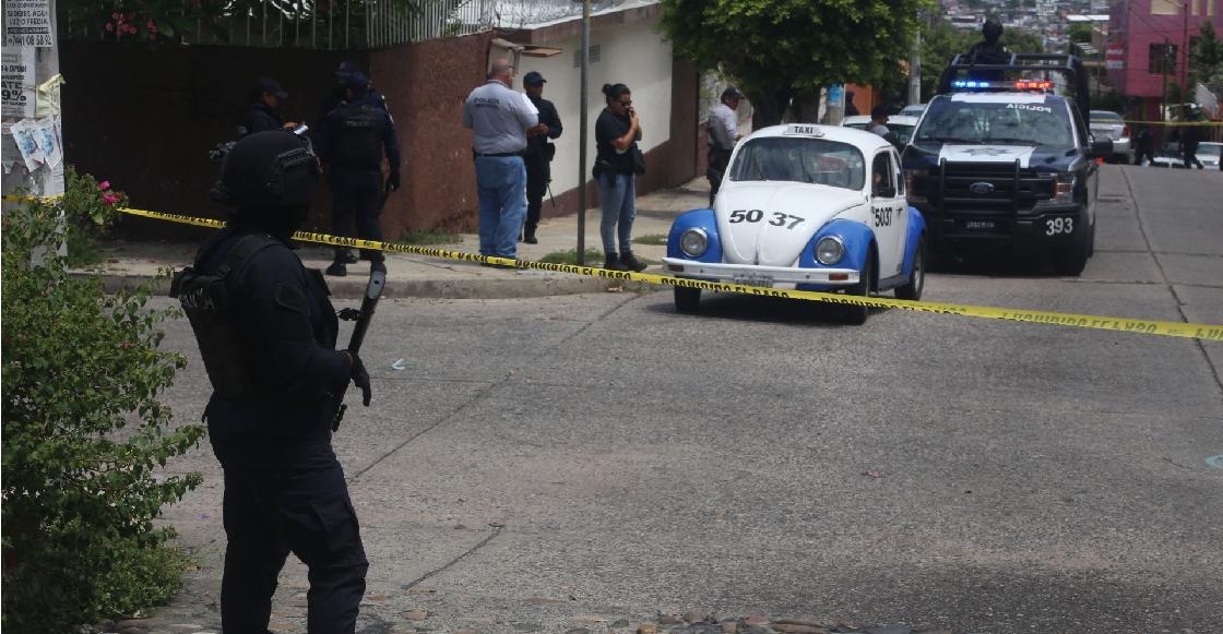 Policías de Puebla confunden a taxista con un delincuente y le disparan