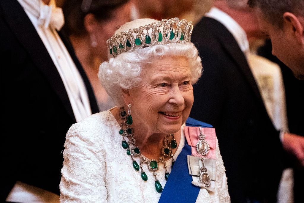 Ora, ora: Estación de radio anuncia por error la muerte de la reina Isabel II y otras celebridades