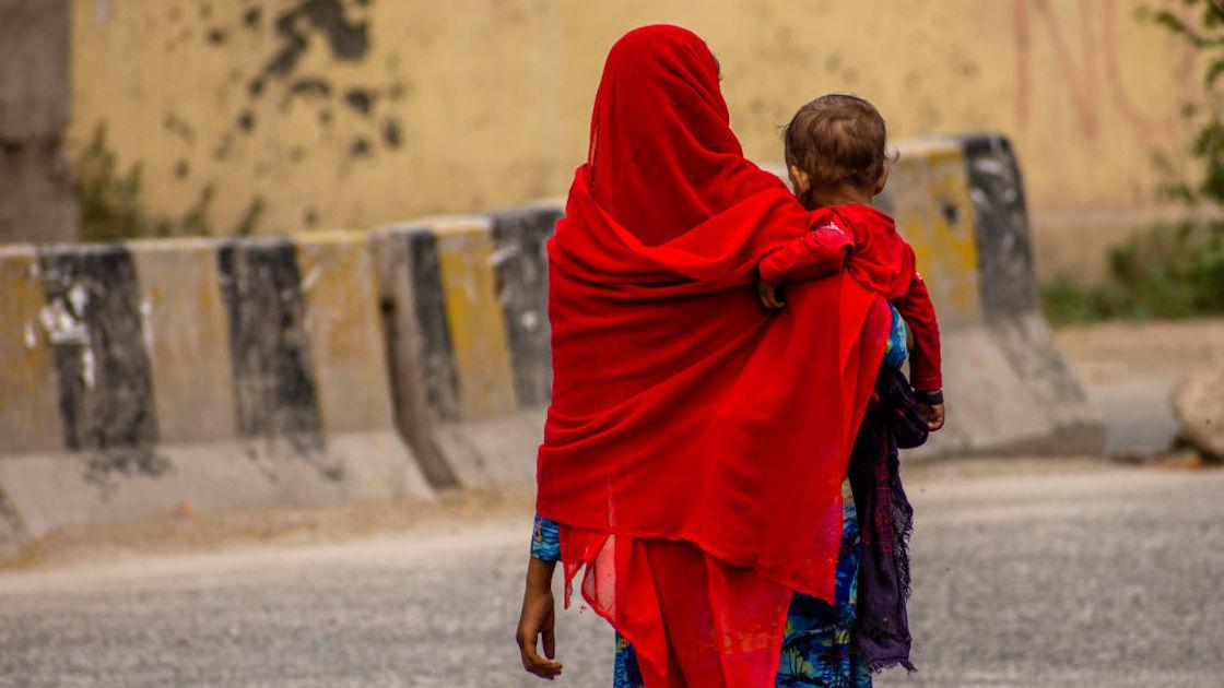 ritual-fertilidad-india-niña