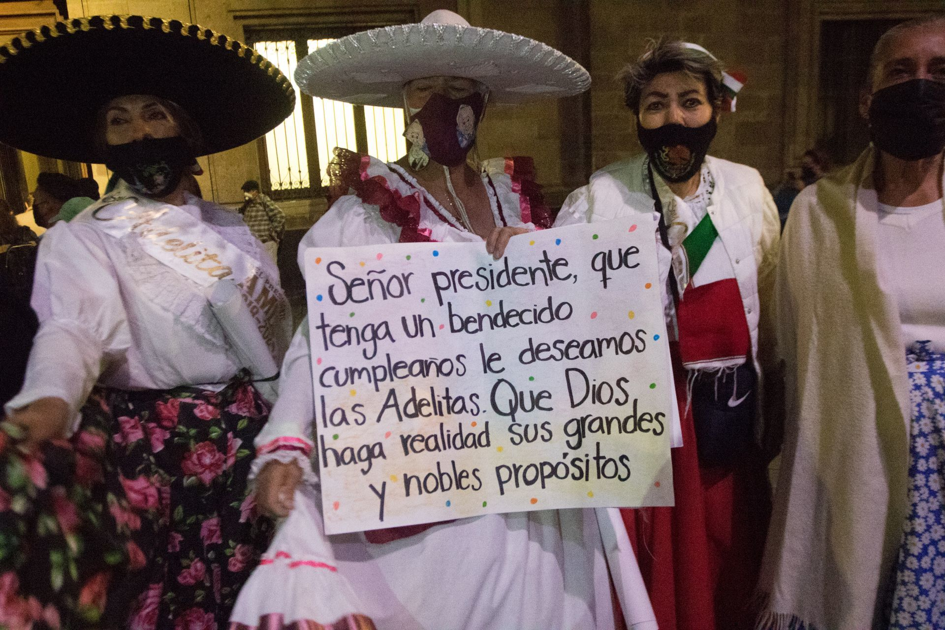 AMLO mariachi cumpleaños