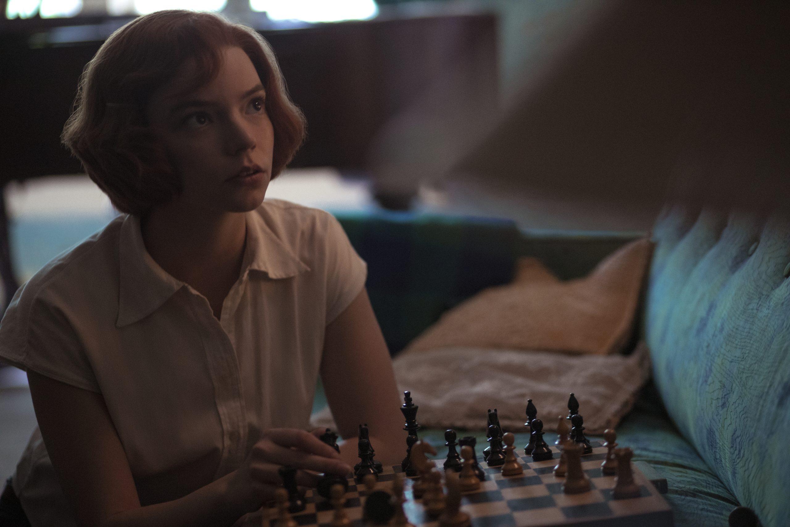 Con razón: Las ventas de ajedrez aumentaron en el mundo gracias a 'The Queen's Gambit'