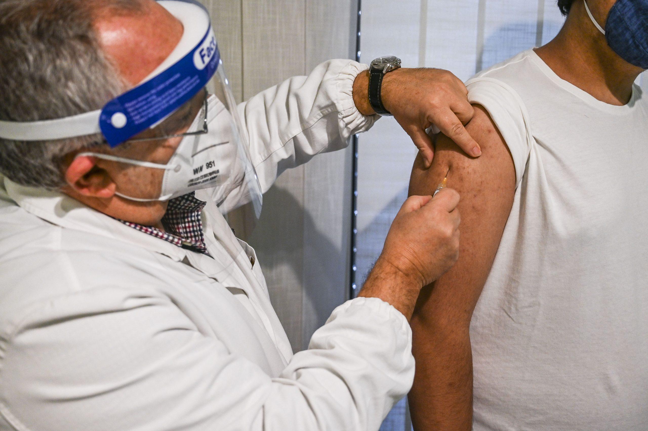 EU podría empezar vacunación contra COVID-19 el 11 o 12 de diciembre