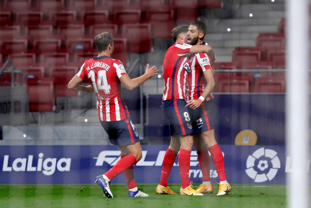 Yannick Carrasco dejó en el camino a Ter Stegen, marcó un golazo y el Atlético de Madrid venció al Barcelona