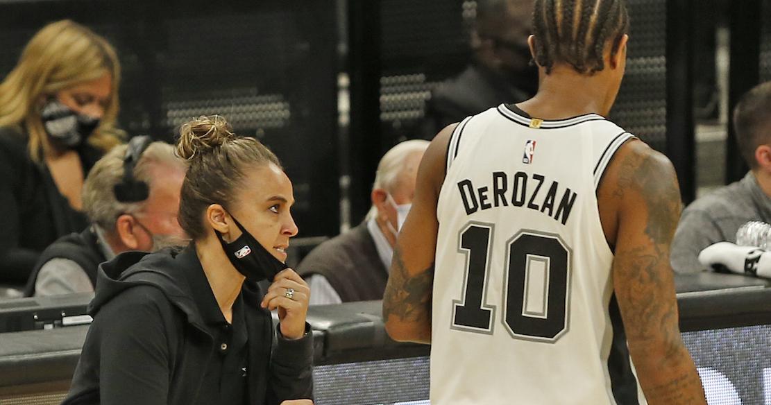 Becky Hammon, la primera mujer en dirigir un partido de temporada regular en la NBA