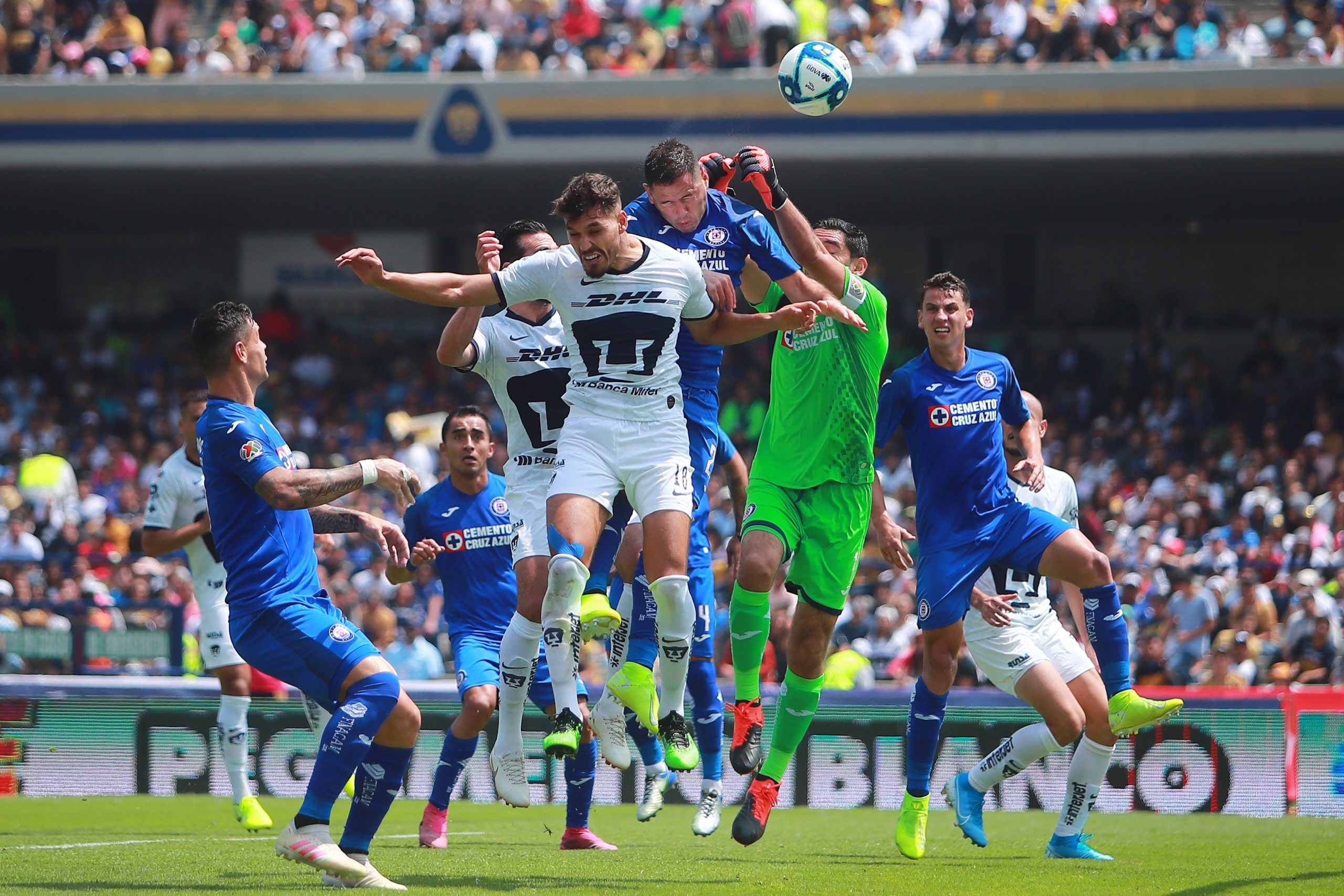 Pumas vs Cruz Azul Estadio CU Liga MX