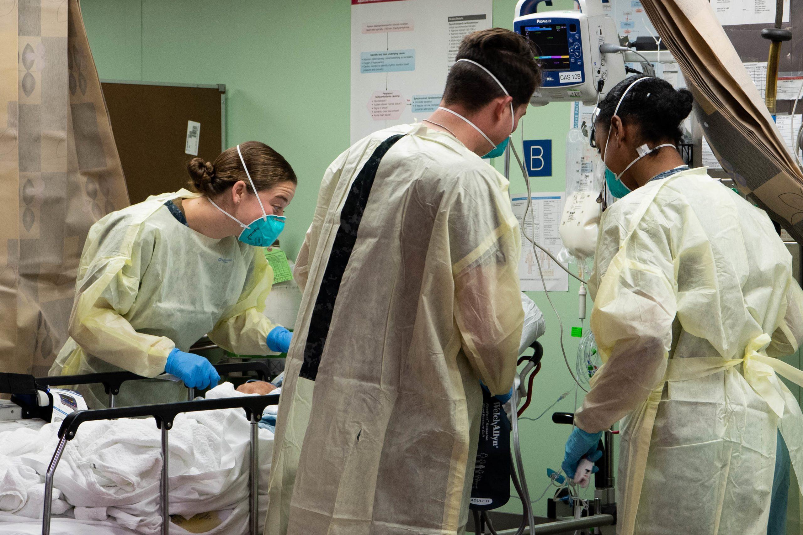 Abuelita agradeció con 800 tamales al personal médico que la salvó del coronavirus