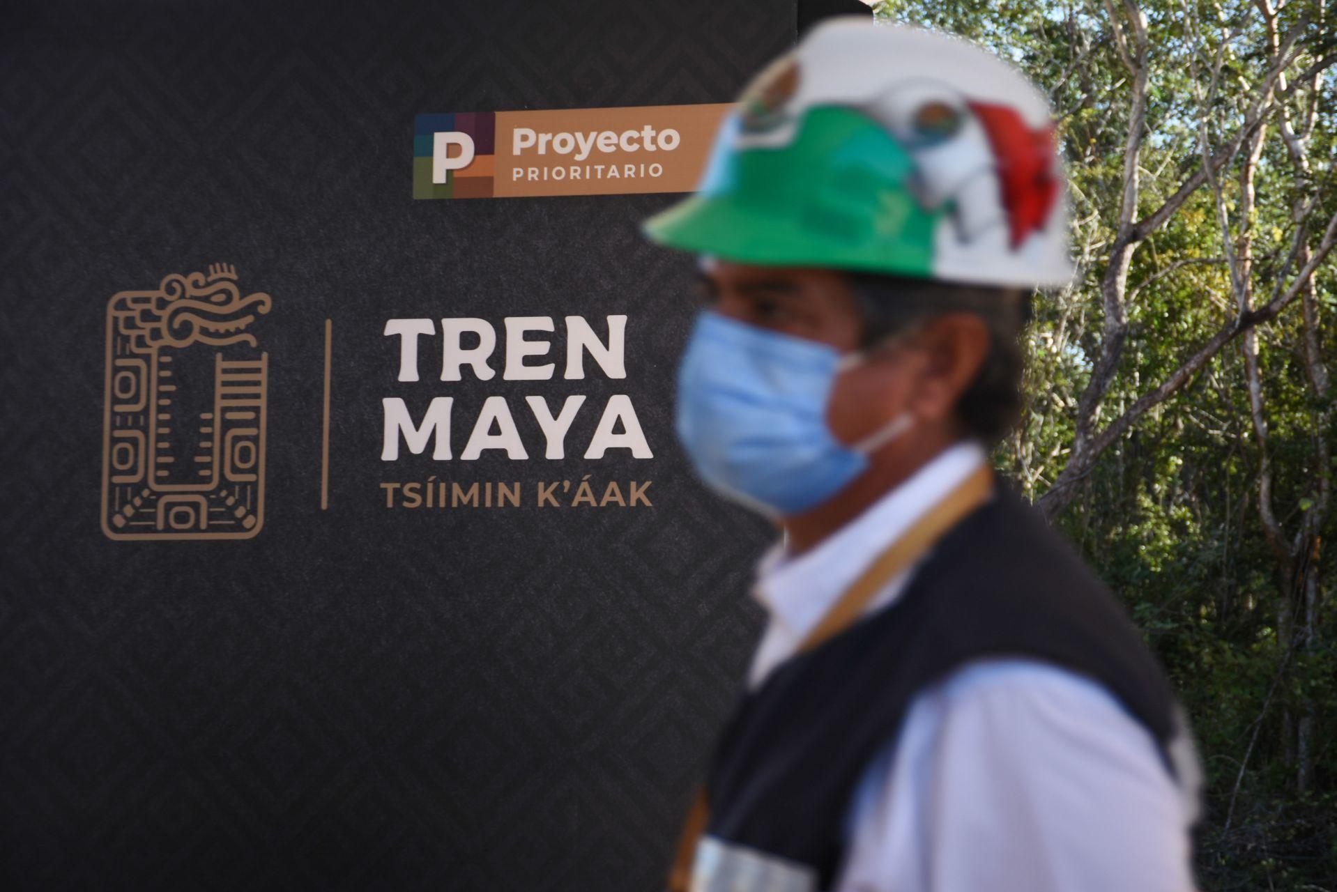 """AMLO """"entregará"""" Tren Maya y aeropuertos al Ejército para evitar privatizaciones"""