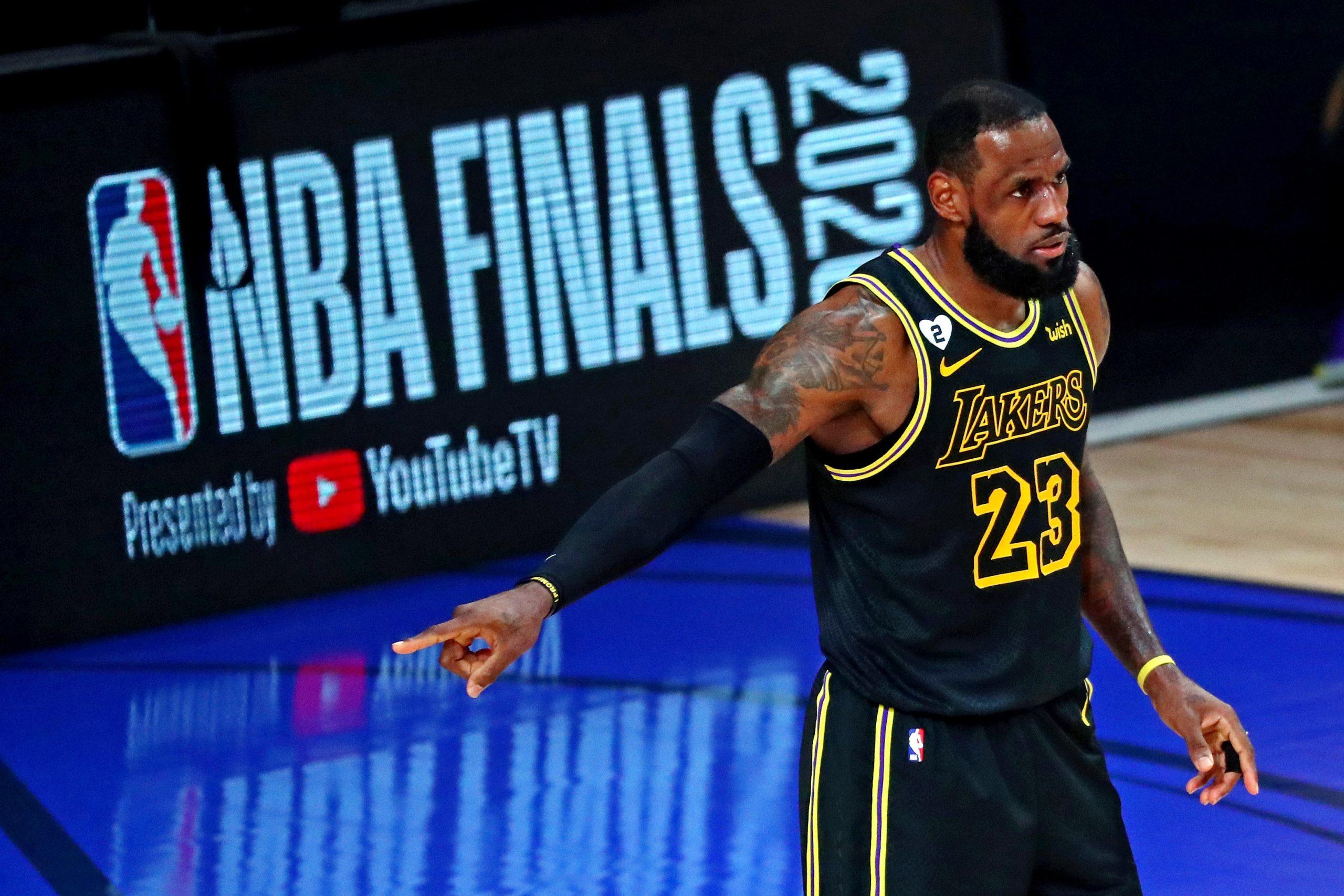 ¡Se queda! LeBron James buscará otro título con los Lakers