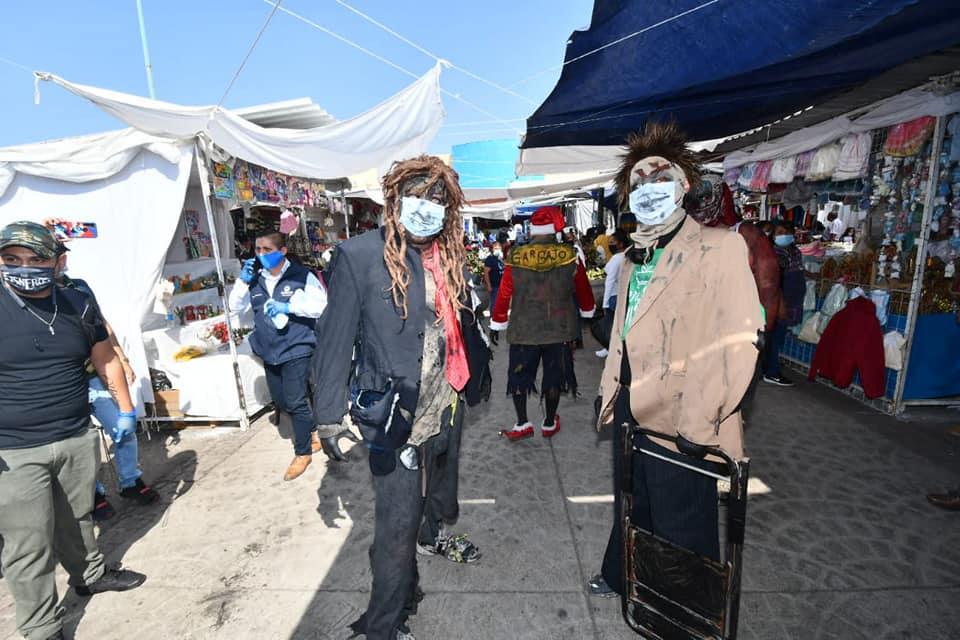 Porque México: Luchadores se agarran a sillazos para promover el uso del cubrebocas