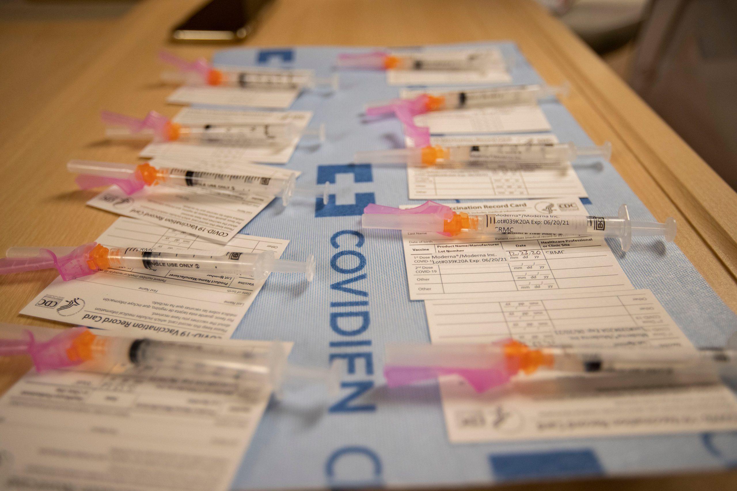 medico-reaccion-alergica-vacuna-moderna-covid-1