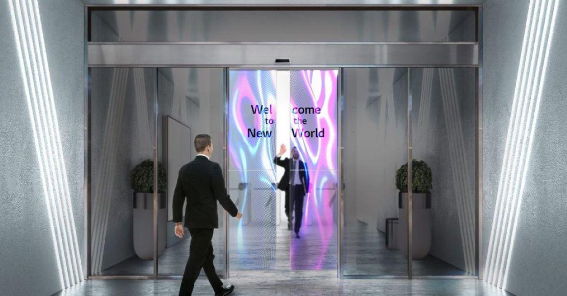LG planea lanzar puertas corredizas de vidrio con tecnología OLED integrada