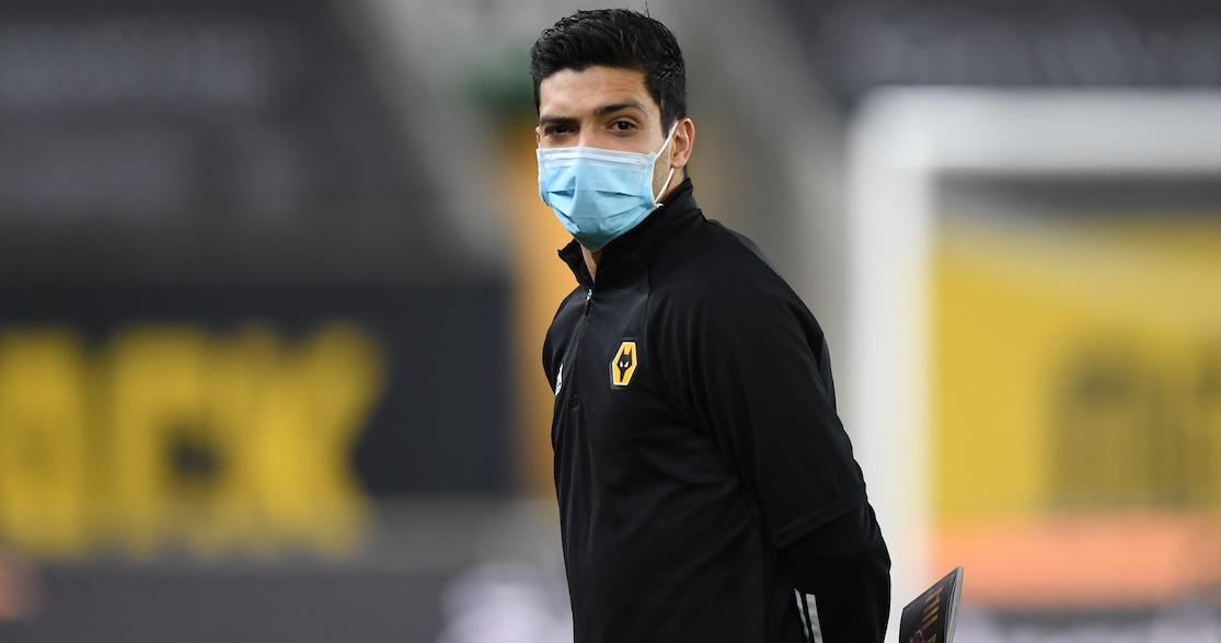 Raúl Jiménez abandonó el hospital una semana después del choque con David Luiz