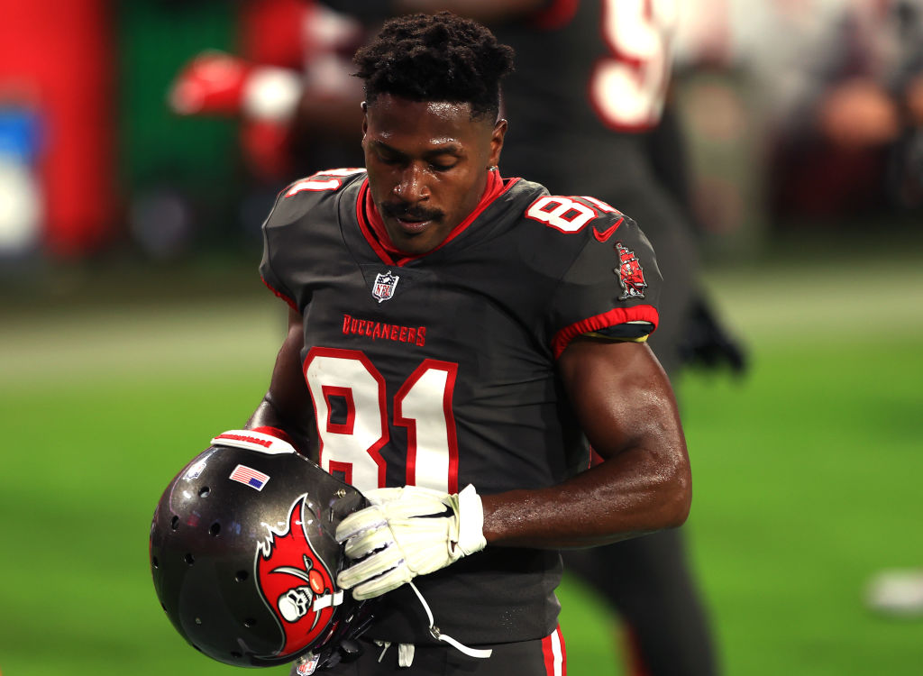 Antonio Brown Tampa Bay Buccaneers Lesión