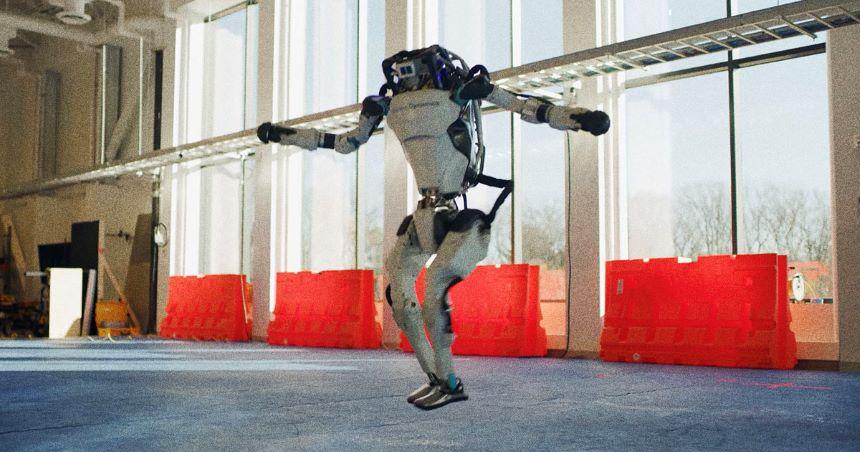 De parkour a rey del baile: Así ha evolucionado Atlas, el robot de Boston Dynamics