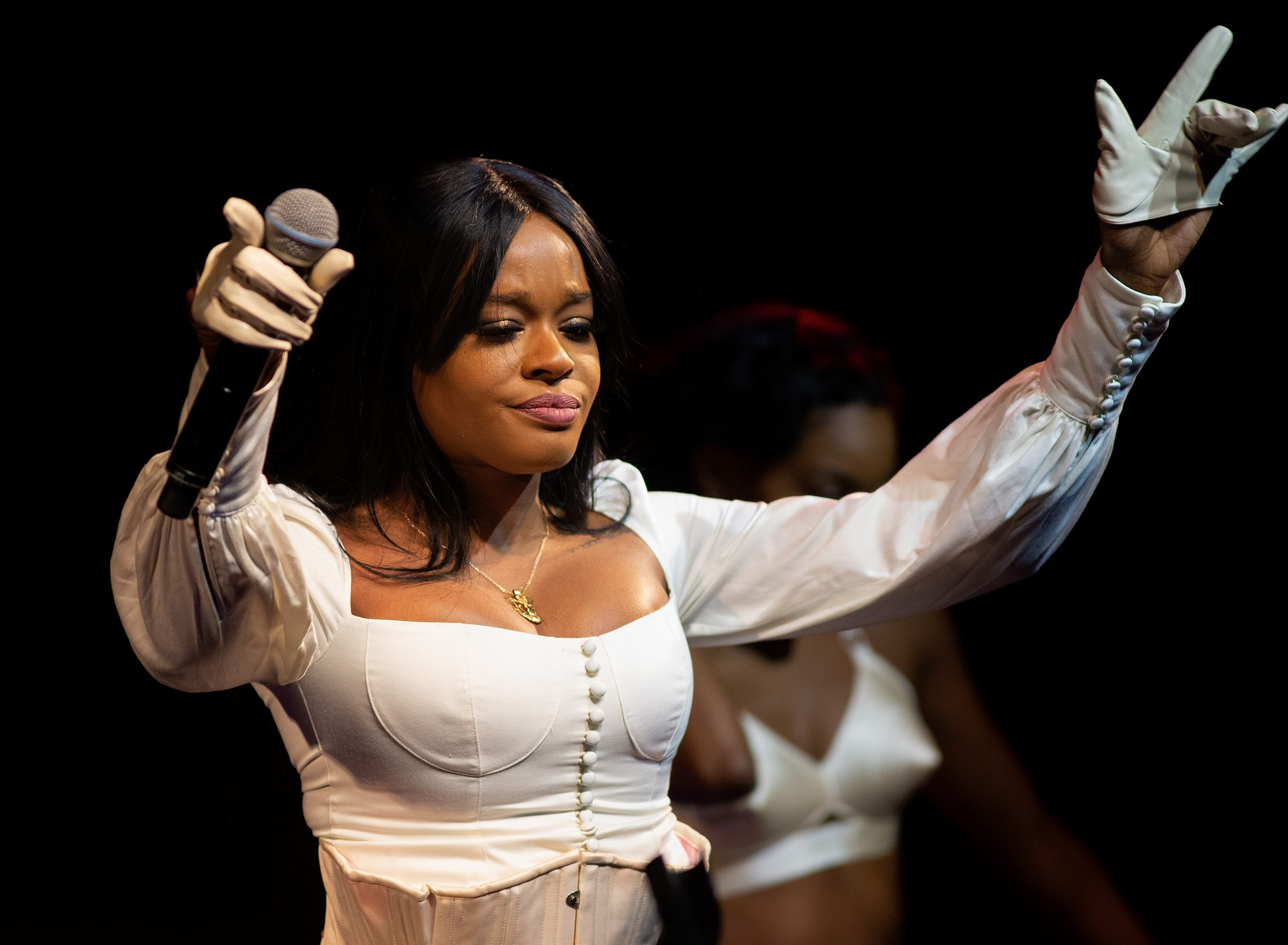 Did Azealia Banks Really Dig Up Her Cat To Eat It?