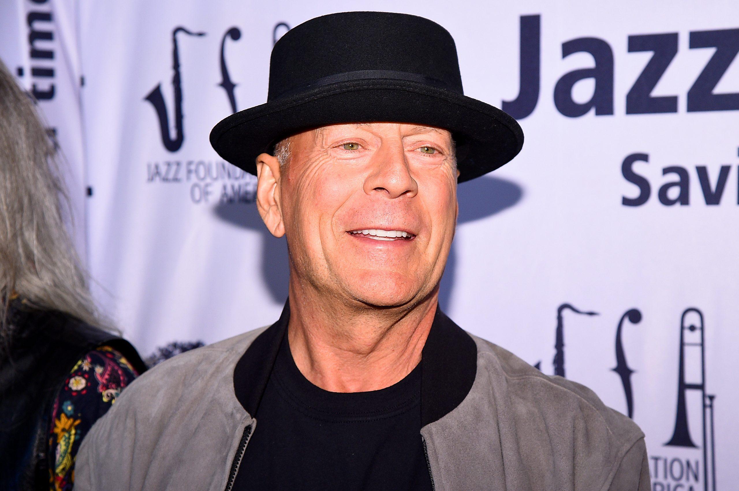 Corrieron a Bruce Willis de una farmacia por no usar cubrebocas