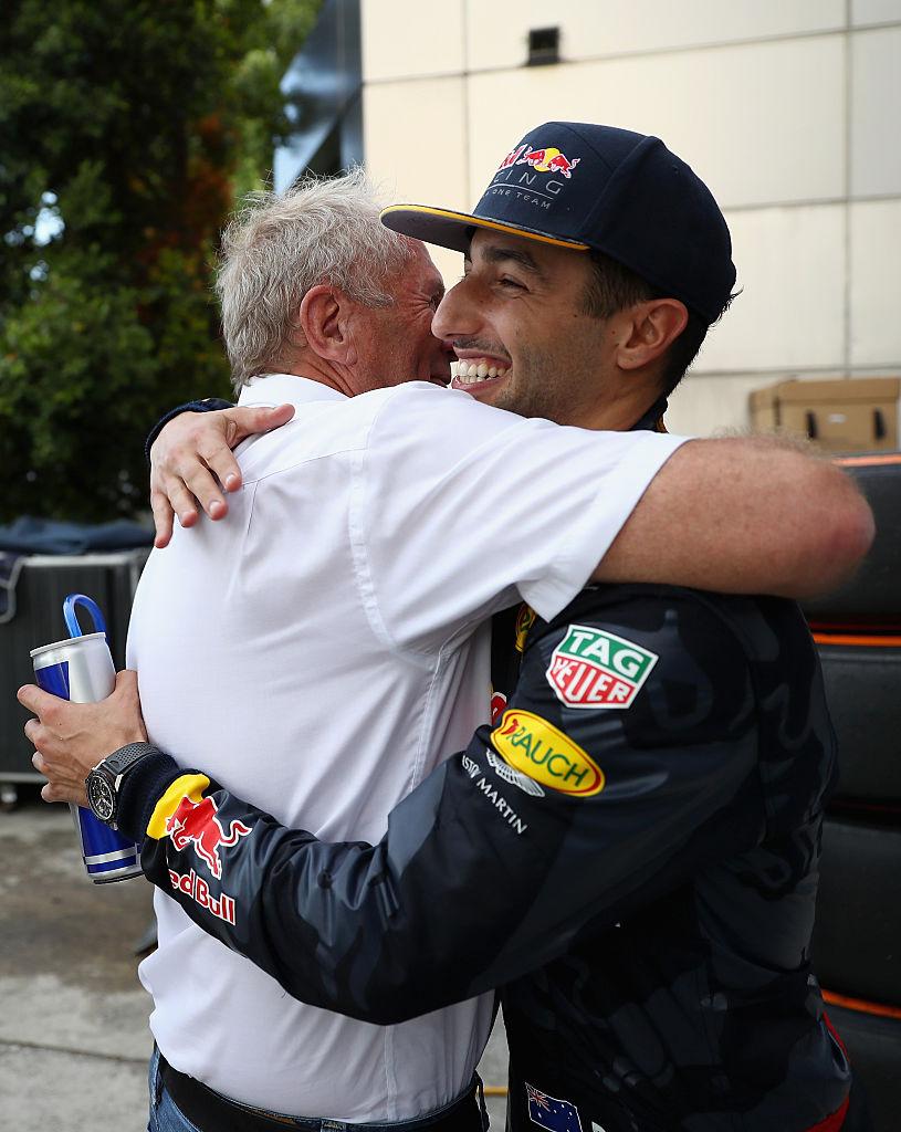 El consejo de Daniel Ricciardo a Checo Pérez para lidiar con Helmut Marko en Red Bull