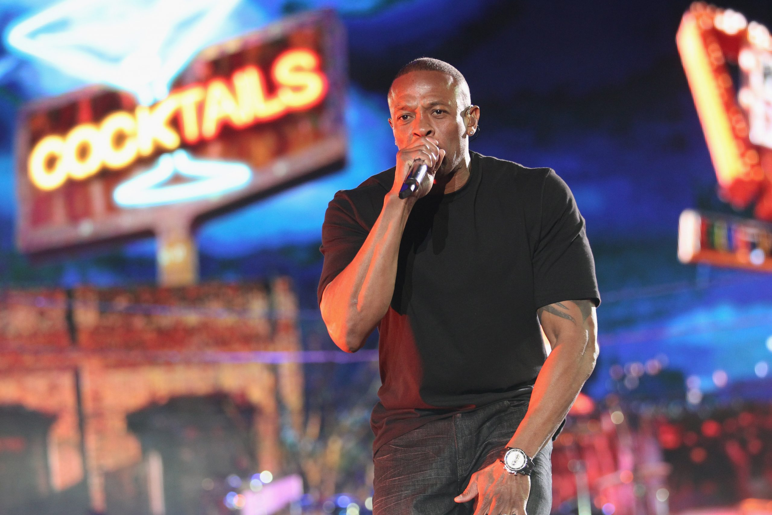 Hospitalizan al legendario Dr. Dre luego de sufrir un aneurisma cerebral