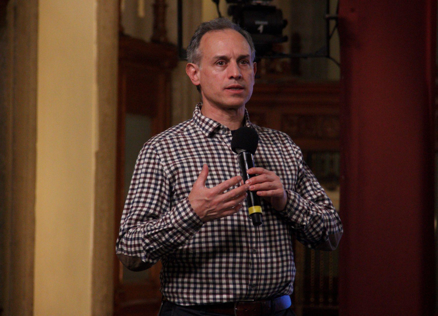Gatell justifica que 'Servidores de la Nación' reciban la vacuna contra COVID-19