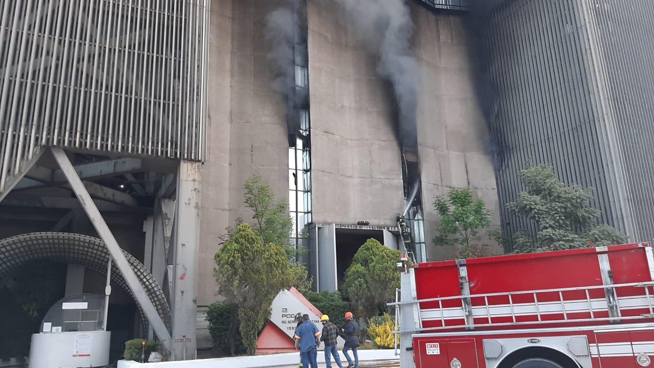 Se incendian oficinas del Metro CDMX; suspenden el servicio en algunas líneas
