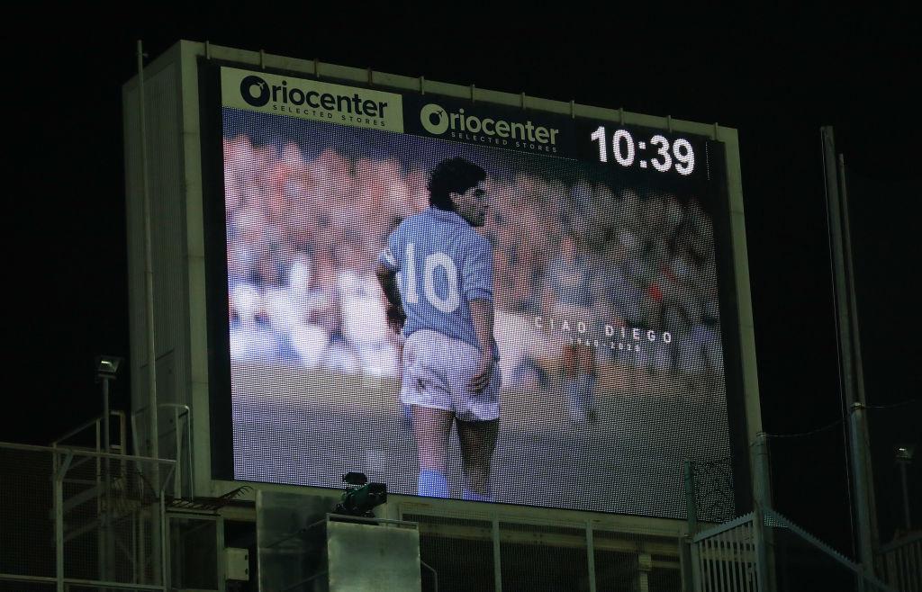 Autoridades determinan que el médico de Maradona falsificó la firma del '10'