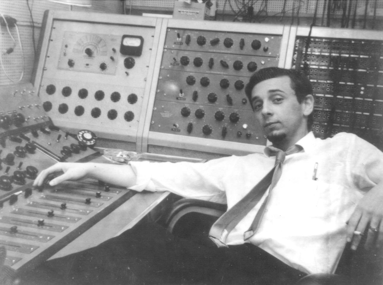 Murió el legendario productor musical Phil Spector a los 81 años