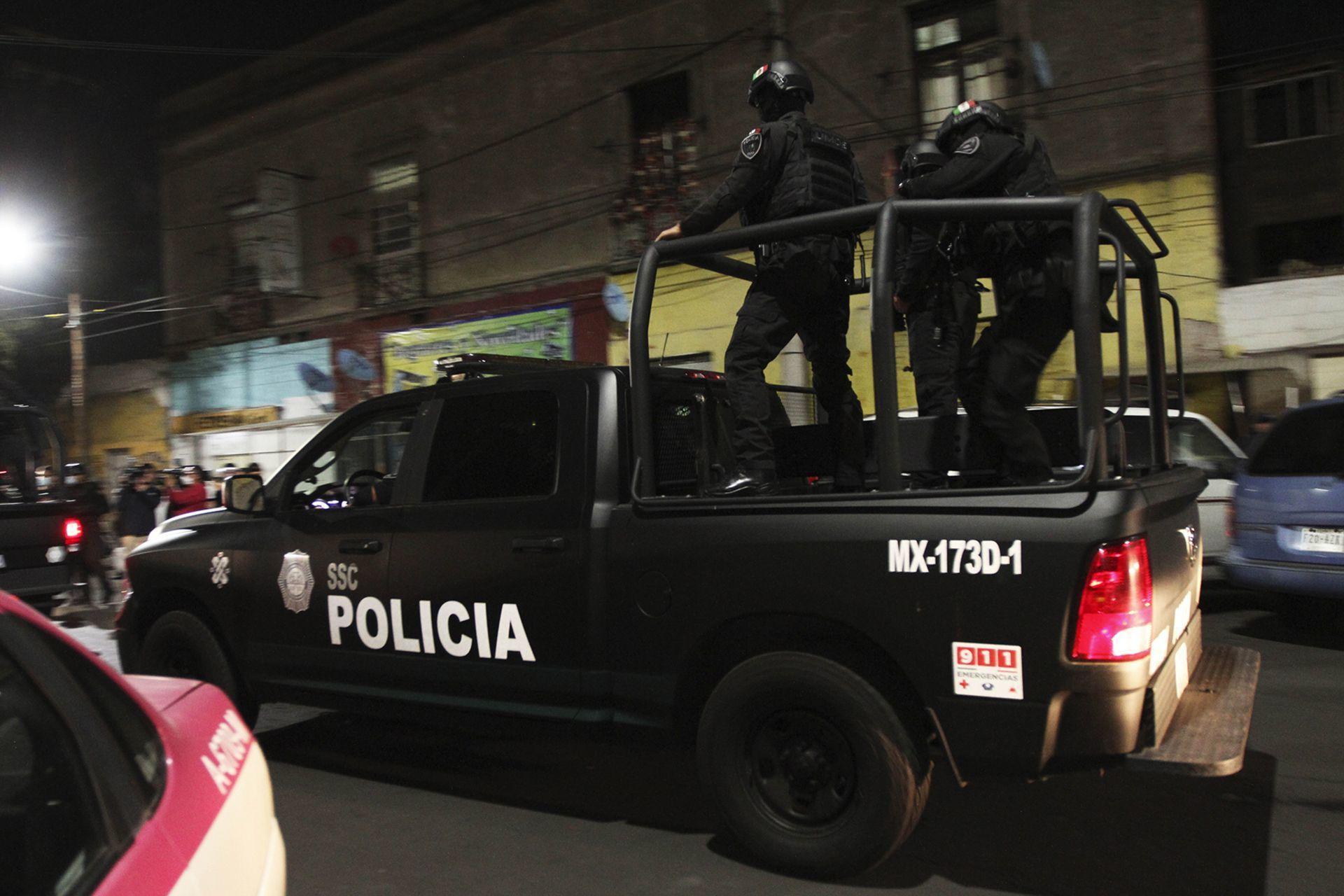 Nuevo video probaría que policías de CDMX no robaron computadora de un auto