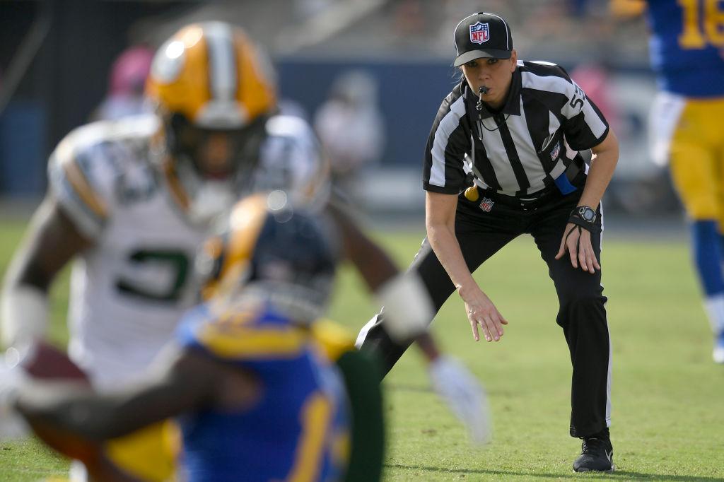 ¡Por la historia! Sarah Thomas será la primera árbitro en un Super Bowl