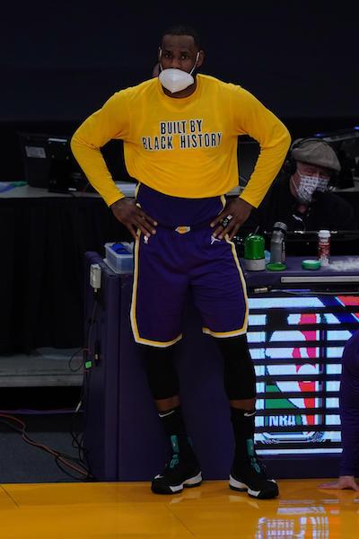 ¡Cuidadito! La NBA advierte a LeBron James por simular faltas