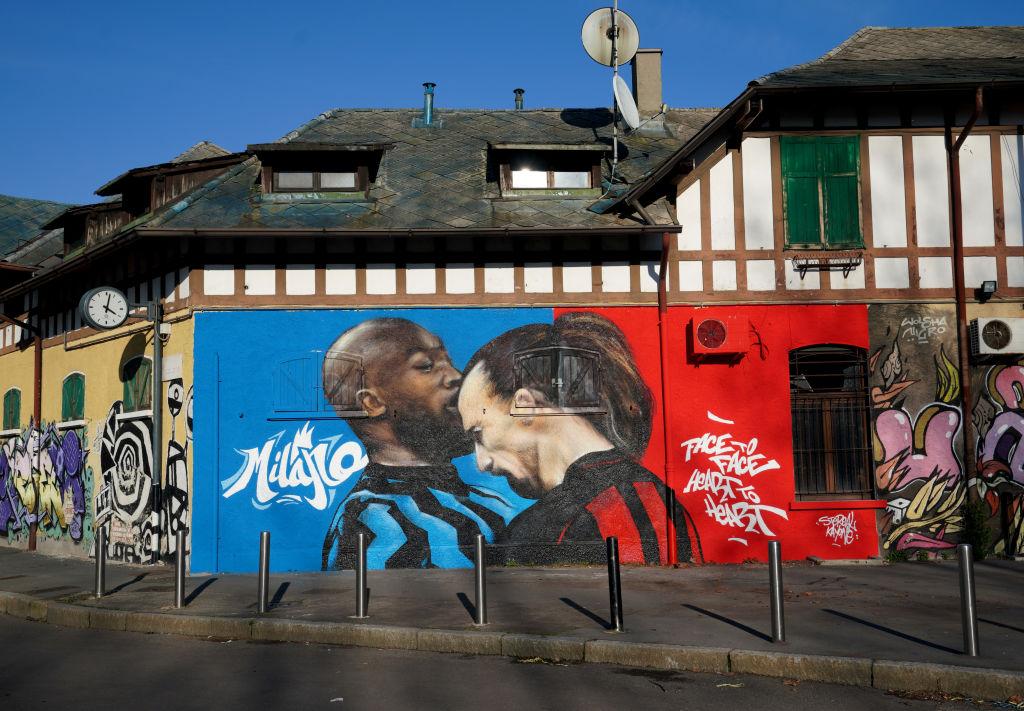 Lukaku vs Zlatan mural en Milan