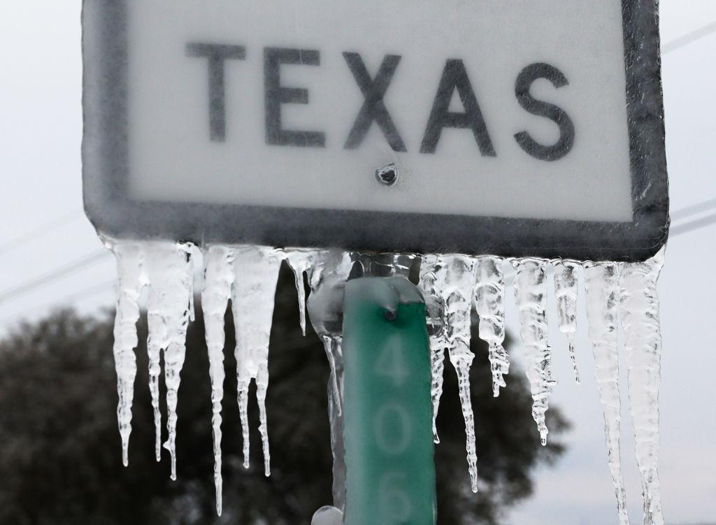 Encuentran en Texas cuerpos de personas que murieron congeladas por la tormenta invernal