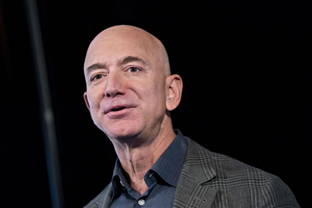 Febrero loco: Jeff Bezos dejará de ser el CEO de Amazon
