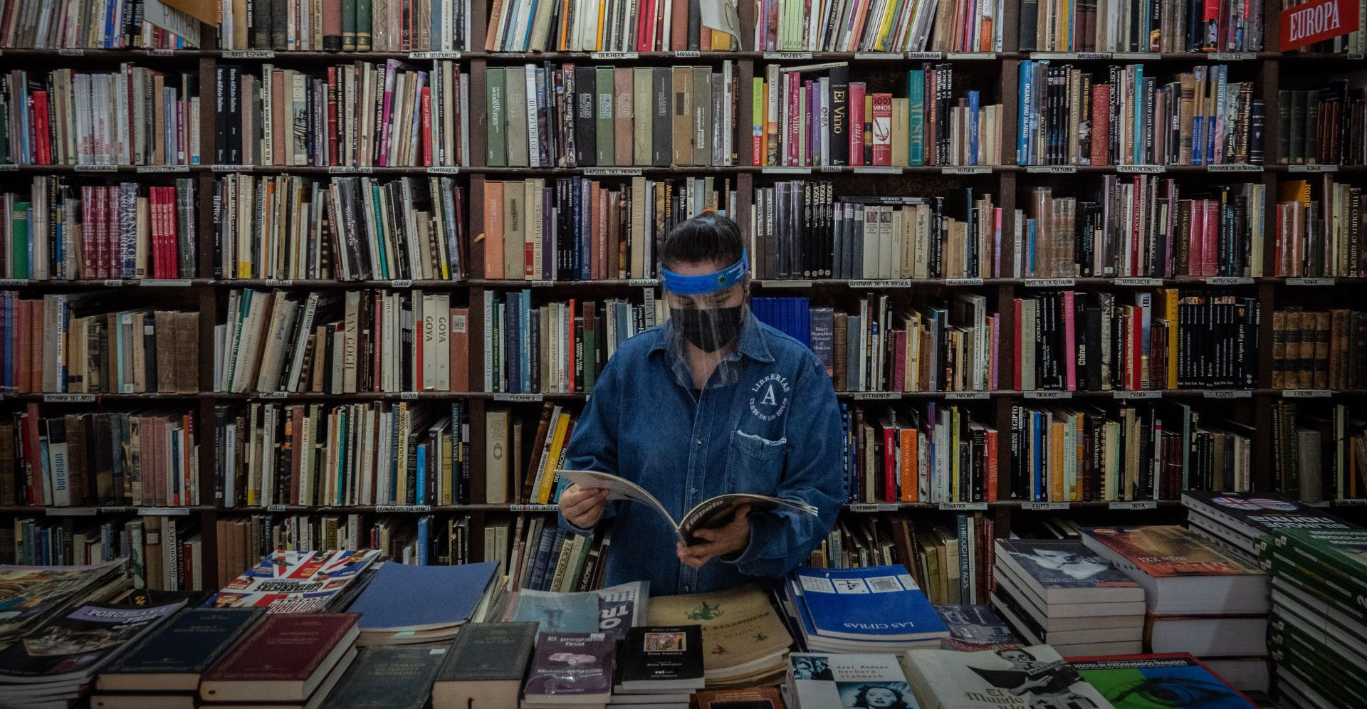 ¿Por qué las librerías son esenciales?: Entrevista con la Cámara Nacional de la Industria Editorial Mexicana